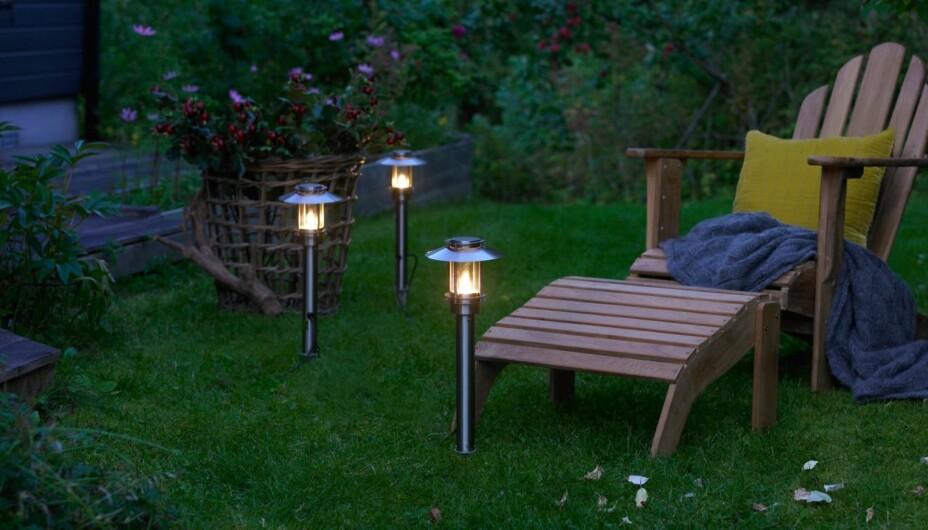 UTEBELYSNING: VELG RIKTIG UTELYS: Utebelysning skal gjøre hagen din hyggeligere for deg, ikke blende alt og alle som kommer forbi.
