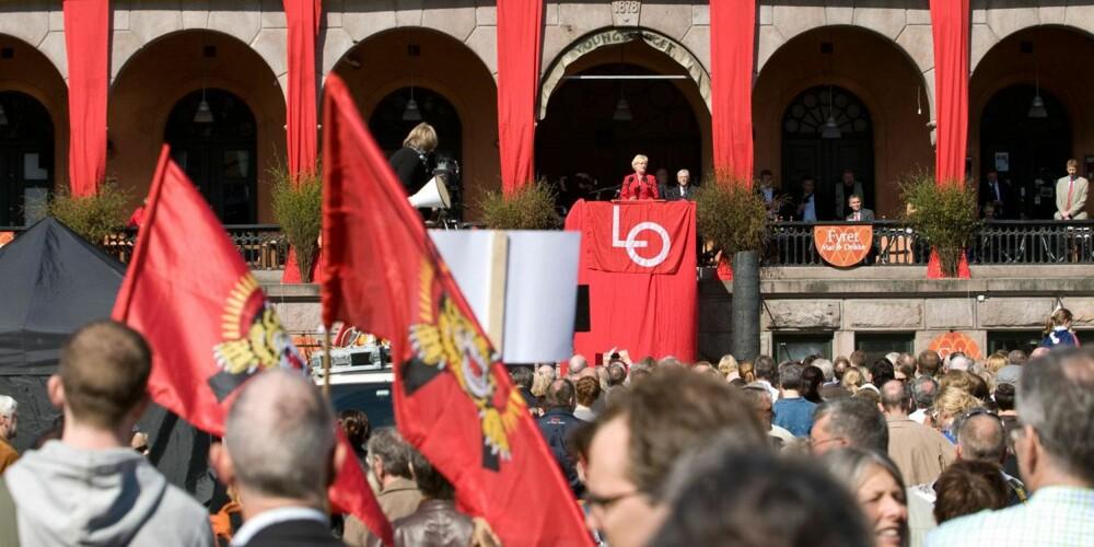 TRADISJON: 1. mai markeres gjerne med appeller og taler, nå også fra flere partier enn tidligere. Her taler Kristin Halvorsen på Youngstorget i Oslo i 2009.