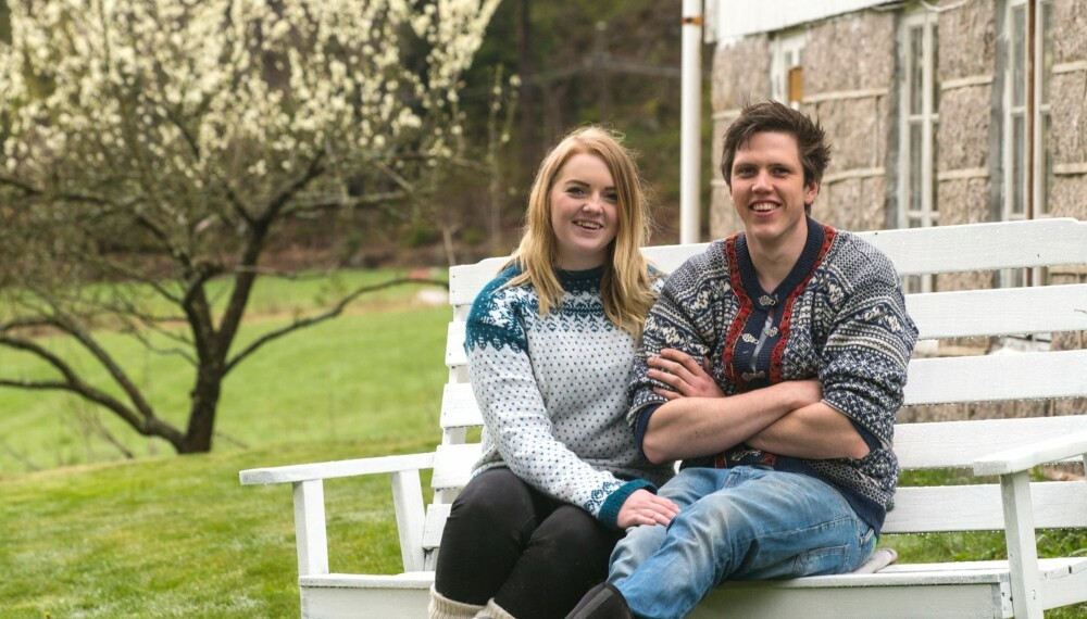PÅGANGSMOT: Det unge paret er fortsatt fulle av pågangsmot etter å ha pusset opp i ett år. Nå er de klare for å sette sitt preg på hagen.