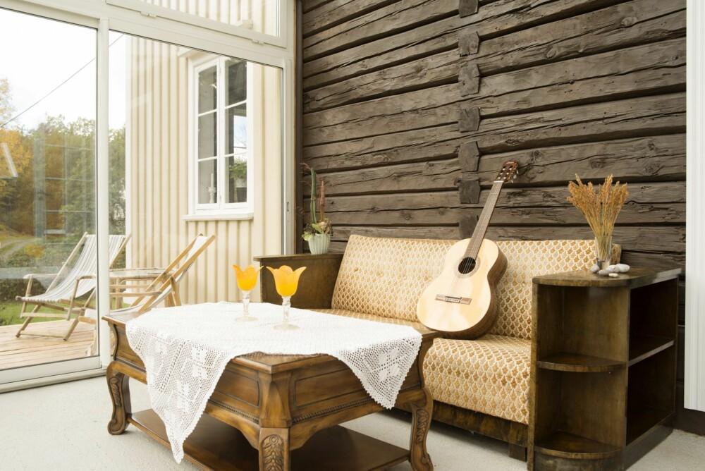 VINTERHAGE: I den nye vinterhagen, som er bygd som en forlengelse av kjøkkenet, varmer sola fra tidlig morgen.