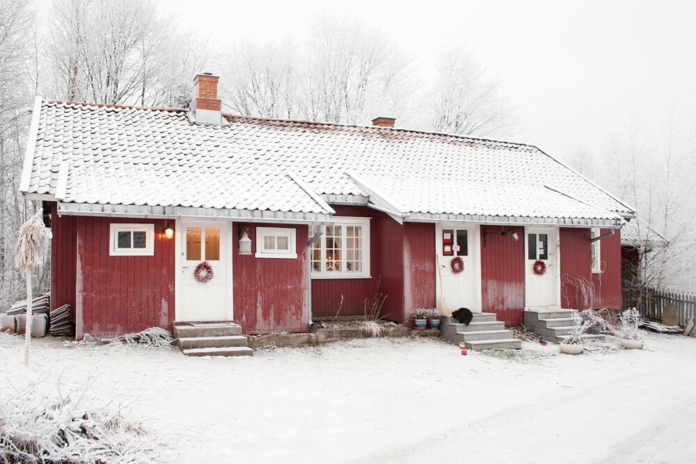 BYGD FOR ARBEIDERNE: Øvre Verket ligger på Ulefoss i Telemark og ble bygd for å huse arbeiderne ved jernstøperiet Ulefos Jernværk. Det bodde familier med store ungeflokker i hvert av de små husene.