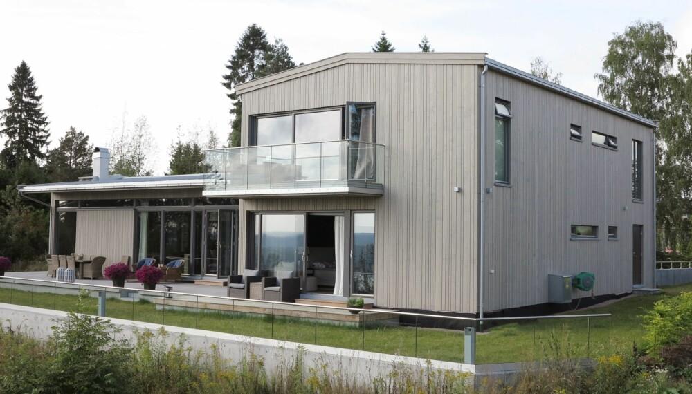 DRØMMETOMTEN: Sissel og Ronny Nygaard oppdaget denne tomten på Åros, og droppet dermed å pusse opp sitt gamle hus.