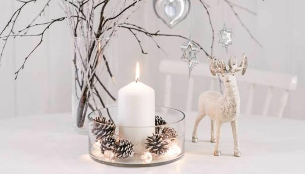 TONES NED: Pels, gull, kvister, kongler, sølv og hvitt kommer til å prege julepynten vår i år. Men vi dropper ikke tradisjonene.