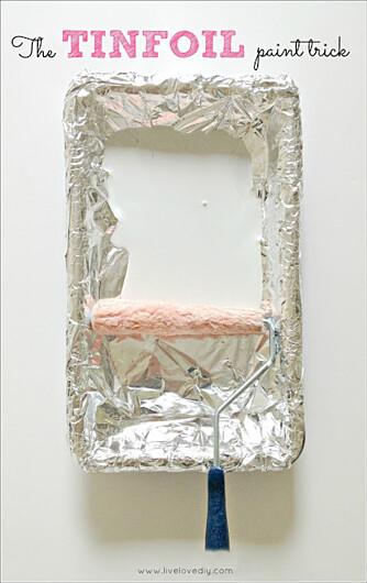 MINDRE SØL: Har du sølvfolie på malingsbrettet, sparer du deg for mye oppvask i etterkant.