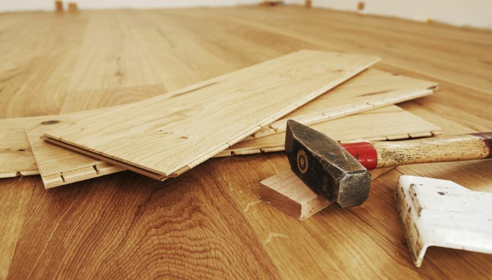 KNIRKETE GULV: Har du lagt gulvet feil kan dette være årsaken til at gulvet ditt knirker.