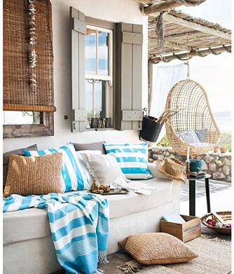 LEV UTE: I sommer skal terrassen være stuen din. FOTO: H&M Home