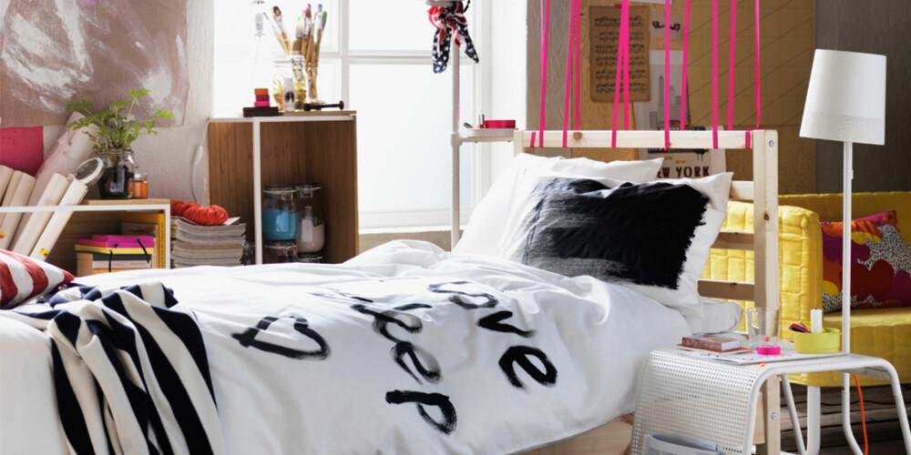 SPISER I SENGEN: Hele 1 av 10 nordmenn innrømmer å regelmessig spise i sengen.