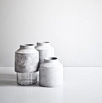VASEFAVORITT: Kokaas er glad i betong og har Willmann-vasen Menu som sin favoritt til hjemmet. FOTO: Hviit.no.