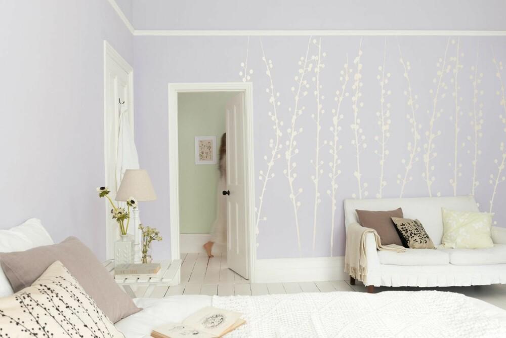 PASTELLER: AkzoNobel og Nordsjø sin trendretning Secret garden består av duse pasteller og sarte blomstertrykk.
