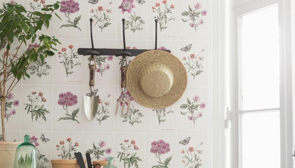 HENG RIVEN PÅ VEGGEN: I høst kan hageredskapene henge på veggen, som en del av interiøret.