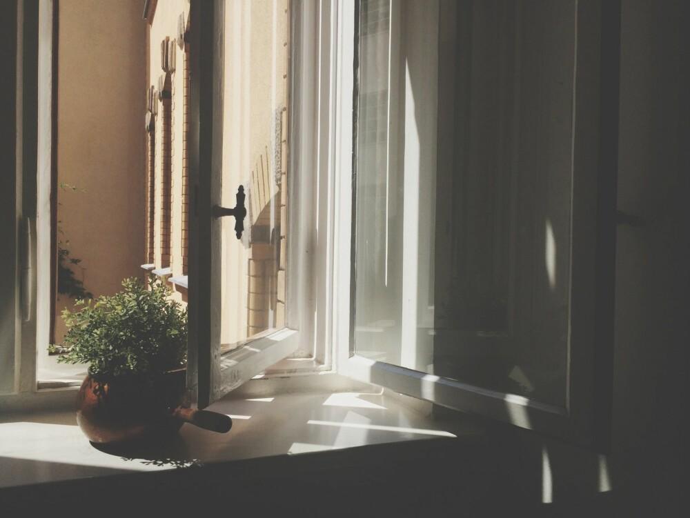 LUFT: Pass på at det kommer nok luft inn i huset, slik at ovnen får nok luft til forbrenningen.