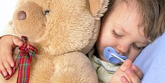 TRYGT: Men snart er det bare bamsen som får bli med i senga.