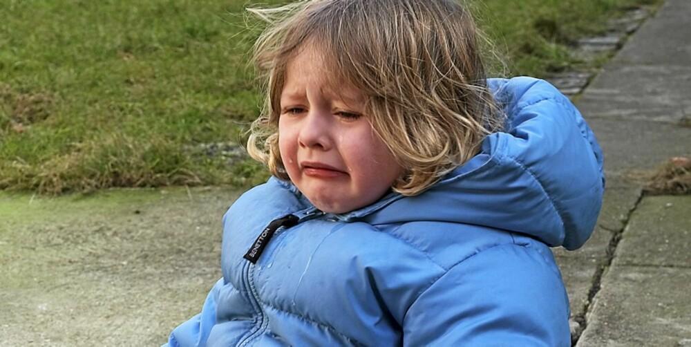 KNALL OG FALL: Barn faller ofte og slår seg, men som oftest går det hetl bra.