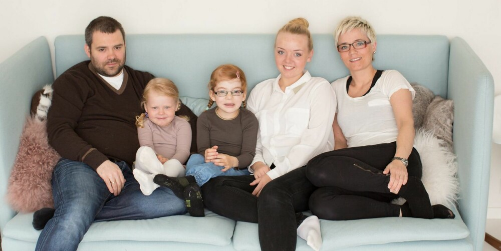 FAMILIEN HATLØY KORSAN: Pappa Stian (34), Marie (3), Tuva (6), Caroline (17) og mamma Cecilie (37).