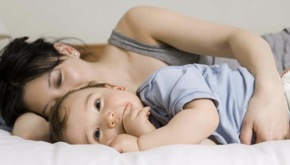 BESTEM SELV: Ikke la andre styre hvilke rutiner deres familie får. Hvis du vil sove med babyen din, er det helt greit.