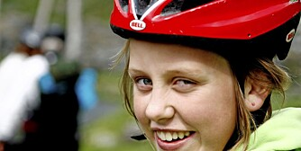 SYKKELHJELM: En god sykkelhjelm skal sitte godt og ikke klemme noe sted.