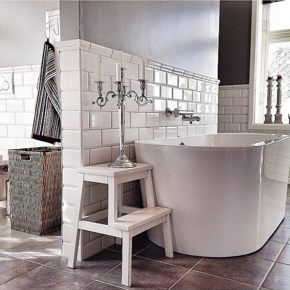 KLASSISK: Alice Voraas fikk 2. plass for sitt gjennomførte bad i tidløs, klassisk stil.