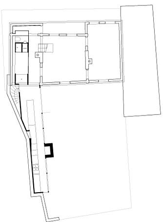 PLANTEGNINGEN: Tegningen viser hvordan det lange tilbygget er koblet på hovedhuset.