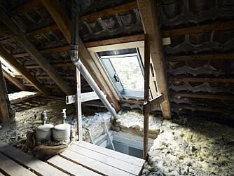 NYTT PÅ GAMMELT LOFT: Her er de første arbeider på loftet igangsatt.