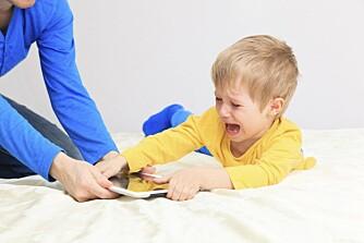 AVHENGIG: Internett og nettbrett skaper avhengighet, og Spitzer mener barn er spesielt utsatt.