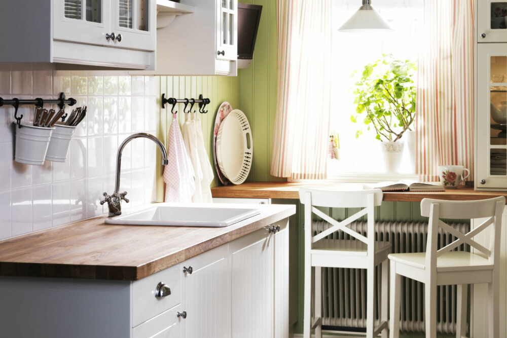 MANGE PAKKER: Hvis man kjøper nytt kjøkken fra IKEA er det vanlig å bestille levering. Det topper klagelisten hos møbelgiganten.