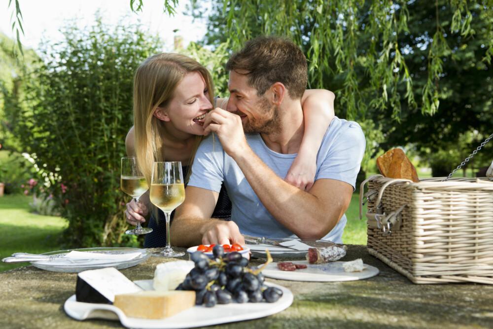 DRØMMEN SOM BRAST: Mange har store forventninger før sommerferien. Nå skal vi endelig ha tid og energi til å dyrke parforholdet. Det blir ikke alltid slik.