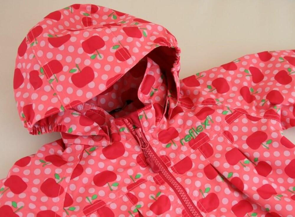 POPULÆR JAKKE: Bug Jacket fra Reflex inneholder giftstoffer både i knapper og glidelås.