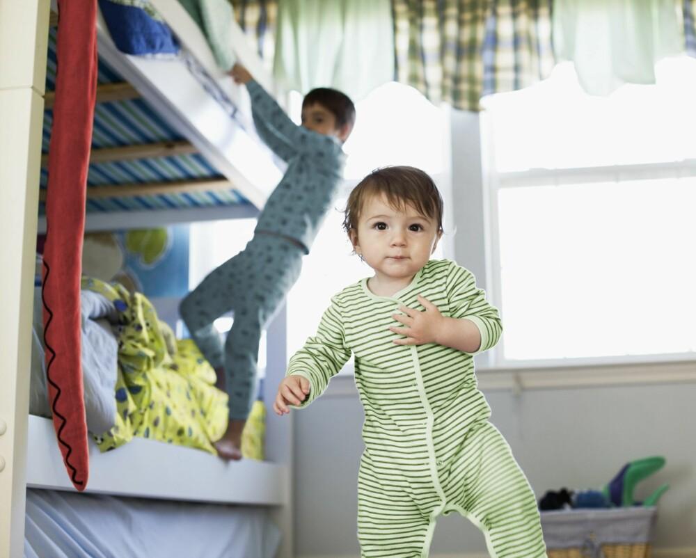 DELE ROM: Å dele barnerom kan være utfordrende med tanke på rot, spesielt om det er lite skapplass.