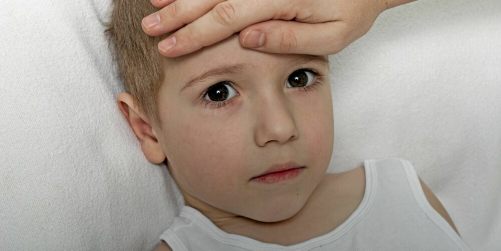 RING MEG: Mødre vil helst at barnehagen ringer dem først i stedet for barnas far dersom barna bli syke i løpet av dagen.