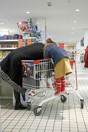 BLIR MANIPULERT: Du handler for inntil 60 prosent mer hvis du har med deg barnet inn i butikken.