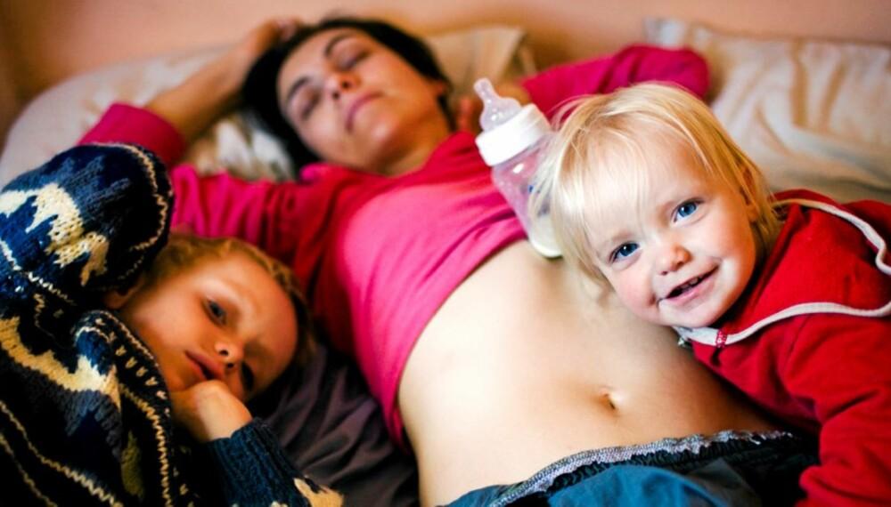MØDRE SØVN: MØfre bli mer avslapper og sover bedre når de får flere barn.
