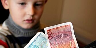 UKELØNN:  De fleste foreldre synes barn fra 7-8-årsalderen burde få ukelønn, viser en undersøkelse.