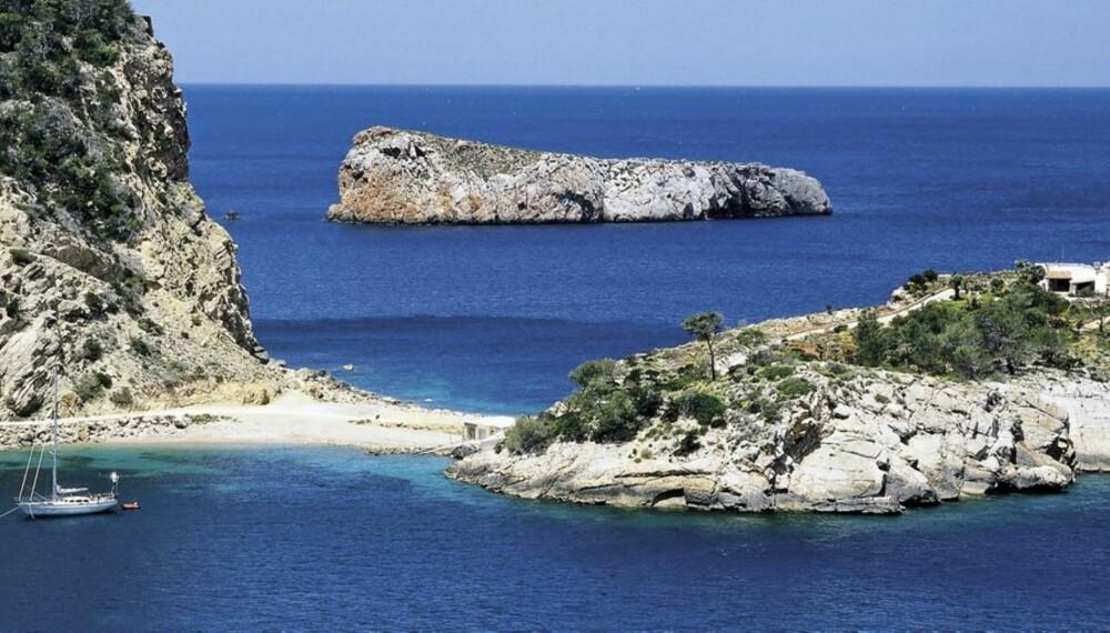 IBIZA: Ikke la deg skremme av partyryktene - Ibiza har mye mer å by på en våte ungdomsfester.