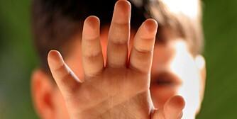 ULOVLIG: Det er forbudt å gi barn en ørefik, og nå blir det heller ikke lov å gi barnet et klaps.