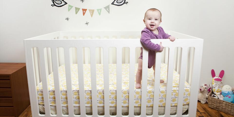 BABY VÅKNER TIDLIG: Hvordan får du babyen til å sove lenger om morgenen? Foto: FOTO: Getty Images