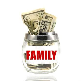 SAREPTAS KRUKKE: - Har du ikke penger, kan du vel bare ta ut litt mer på kortet ditt, foreslår ofte barn. For foreldrene er det ikke alltid like enkelt.