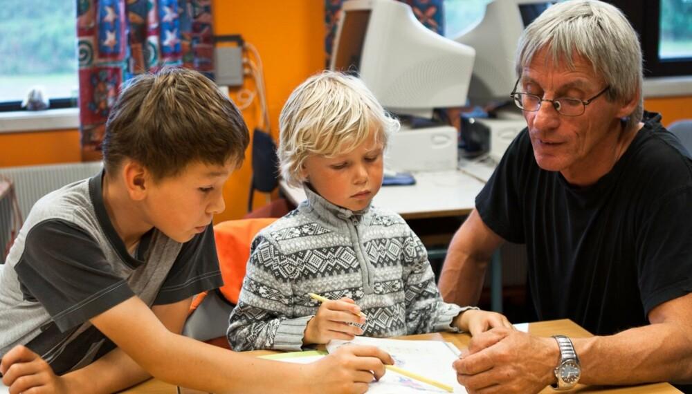 HAR DROPPET LEKSER: Gunnar Aarstein, rektor på Digermulen skole i Lofoten, har hatt leksefri skole siden 2000.