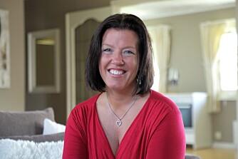 DAMPER HUSET RENT: Anja Holt bruker damp for å få et rent hjem.