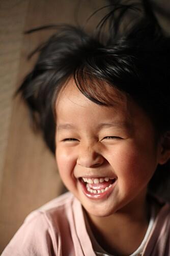 LATTERMILD: Humor er viktig for barns sosialisering og deltagelse i fellesskapet.