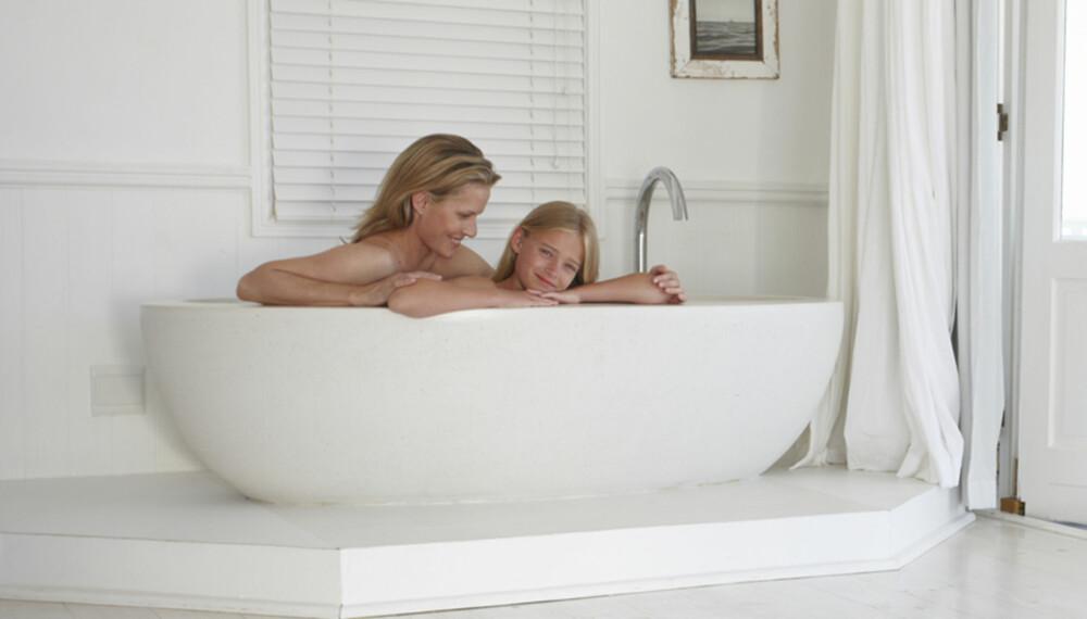 BADE SAMMEN: - Bad med barna helt til badekaret blir for lite, sier førskolelærer og spesialist i sexologisk rådgivning Margrethe Aasland. ILLUSTRASJONSFOTO: Thinkstock