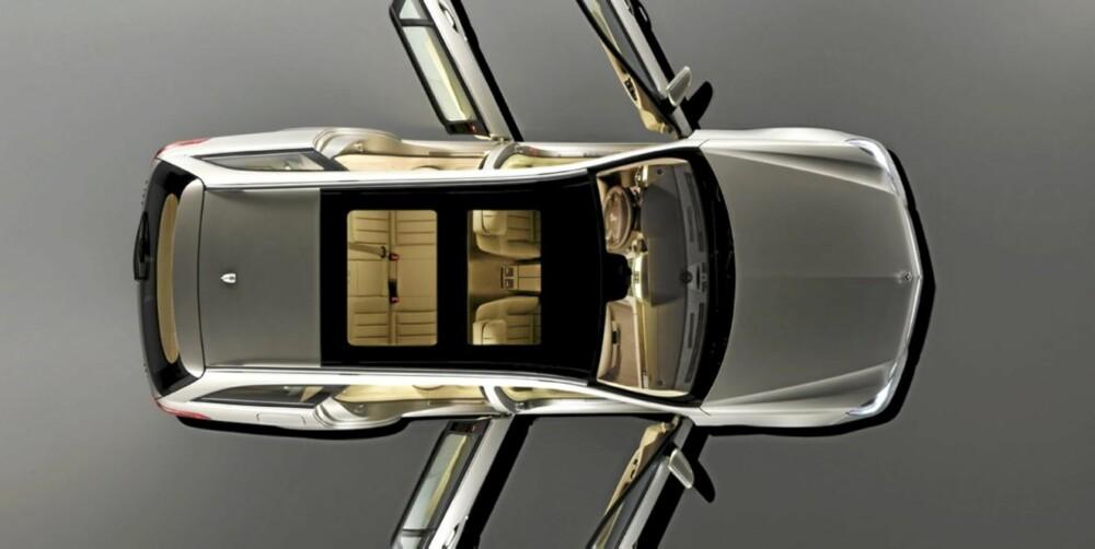 DRØM: Den gedigne plassen i en Mercedes E-klasse stasjonsvogn. Men du får omtrent det samme i en Skoda Superb stasjonsvogn fra drøyt 300.000 kroner.