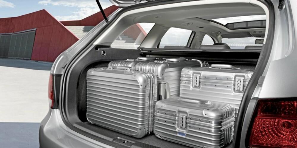 KOMPAKTKLASSE: Men plass som i en mellomklasse - VW Golf stasjonsvogn.