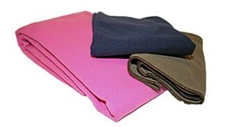 MYGGTEPPE: Kan brukes som duk, laken , sarong og som barnevognteppe. Foto: Produsenten