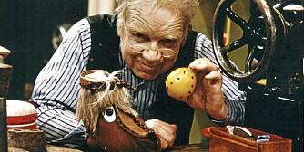 VANT KÅRINGEN: Skomaker Andersen ( Henki Kolstad) og Tøfflus spiller begge i tidenes beste barne-tv, ifølge Klikk.no-leserne.