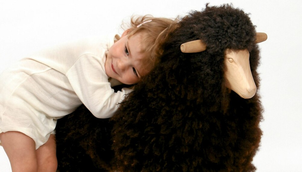 HOLD VARMEN I VINTER: Foreldre & Barn har testet åtte ullbodyer.