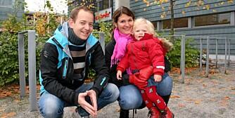 STATSBUDSJETTET 2009: Audun Mikkelsen og Marianne Hjortdahl mener det er viktigere at alle får barnehageplass, enn å redusere prisen. Datteren Aurora Hjortdahl Mikkelsen (1 1/2) er heldig å ha plass, men de vet ikke om barnet de venter i februar kommer til å få det.