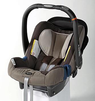 ÅRETS VINNER: Römer Baby-Safe Plus II SHR. Stolen fikk toppresultat i frontkollisjonstesten og 4,5 av 5,0 oppnåelige poeng i sidekollisjonstesten.