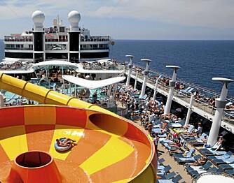 BADELAND: Som så mange andre cruiseskip, er Norwegian Epic et flytende badeland.