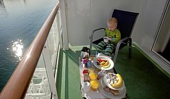 IDYLL: Frokost på egen balkong er en fin start på dagen.