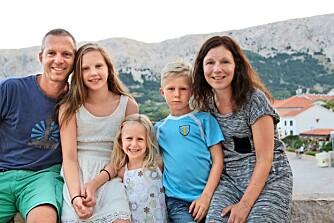 MANGE MIL I BIL: Hele familien er samlet i Kroatia etter over 200 mil i bilen.